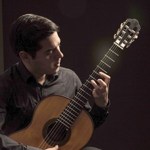 Andrés - Lucca, : Classical guitar & music theory lessons in