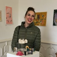 BVA Art Graduate and ex- flight attendant looking to share her passion for art!