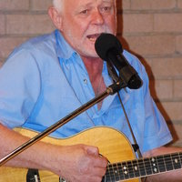 Guitar, vocals in Potchefstroom classroom or online. 30 Years experience, Song writing