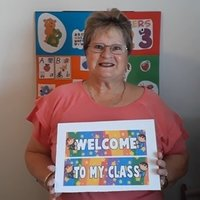 Hello, my name is Lynne. I am a native English speaker and teach English. I am married and live in a beautiful town called Port Elizabeth which is right by the sea-side. I hold a TEFL Certificate. I a