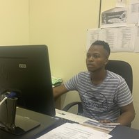 Human Resources Management student offering English lessons up to university based in South Africa