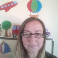 Preschool teacher teaching English through fun, age appropriate concepts and themes online.