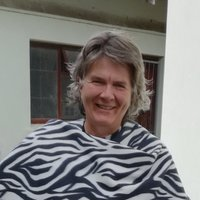 Retired Librarian with SIT TESOL course offering English in Port Elizabeth SA