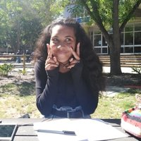 A student majoring in English and Linguistics offering to tutor English in Cape Town